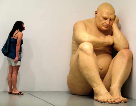 xvii_escultura_ron_mueck_big_man
